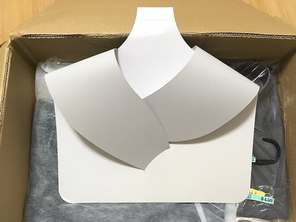 プラスキューブの梱包~厚紙で型崩れ防止